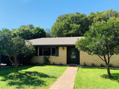 Kerrville Single Family Home For Sale: 1111 Donna Kay Dr