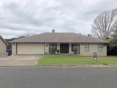 Kerrville Single Family Home For Sale: 2217 San Jacinto Dr