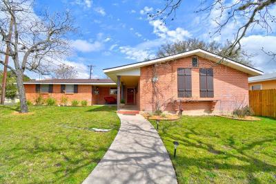 Kerrville Single Family Home For Sale: 500 Antler Dr