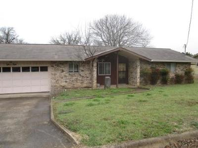 Kerrville Single Family Home For Sale: 1005 Barbara Ann