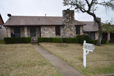 Kerrville Single Family Home For Sale: 2117 West Lane