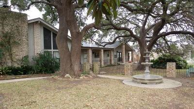 Kerrville Single Family Home For Sale: 670 Oakland Hills Lane