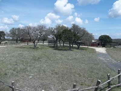 Leakey TX Single Family Home For Sale: $379,000