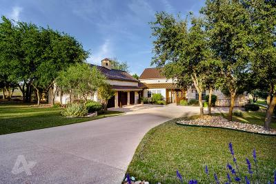 Kerrville Single Family Home For Sale: 3957 Oak Park Dr