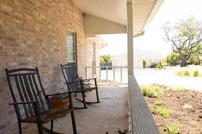 Kerrville Single Family Home For Sale: 1800 Foothills Dr