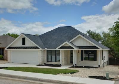Kerrville Single Family Home For Sale: 661 Oak Hollow Dr