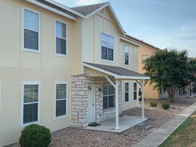Kerrville Single Family Home For Sale: 2318 B Sailing Way