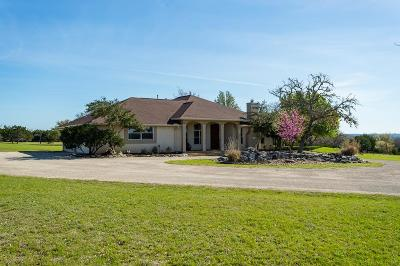 Kerrville Single Family Home For Sale: 1725 Kamira Dr