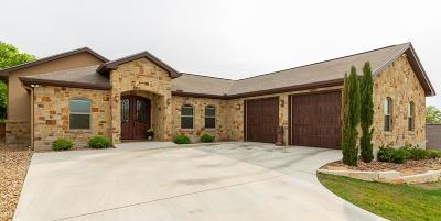 Kerrville Single Family Home For Sale: 215 Castle Pines Dr