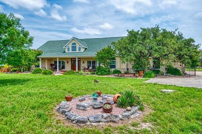 Kerrville Single Family Home For Sale: 270 Kamira Dr