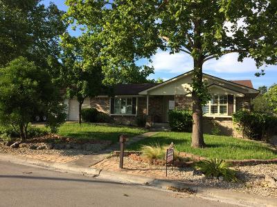 Kerrville Single Family Home For Sale: 1202 Hilltop Dr