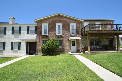 Kerrville Single Family Home For Sale: 1940 Leslie Dr