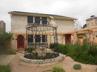Kerrville Single Family Home For Sale: 8 Antelope Trail