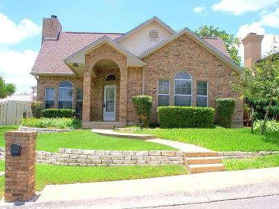 Kerrville Single Family Home For Sale: 111 St Andrews Loop