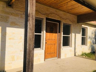 Kerrville Single Family Home For Sale: 205 Southway Dr