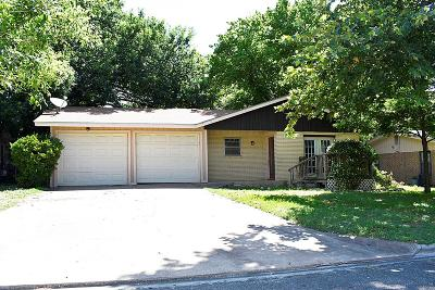 Kerrville Single Family Home For Sale: 1126 Lake Dr