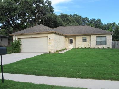 Kerrville Single Family Home For Sale: 2326 Trails End