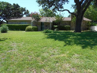 Kerrville Single Family Home For Sale: 1025 Bluebonnet Dr