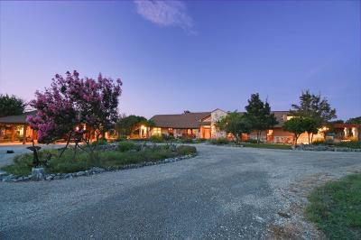 Kerrville TX Single Family Home For Sale: $1,595,000