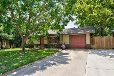 Kerrville Single Family Home For Sale: 419 Leland St