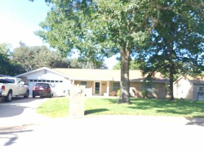 Kerrville Single Family Home For Sale: 102 Colonial Lane