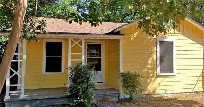 Kerrville Single Family Home For Sale: 927 Tivy St