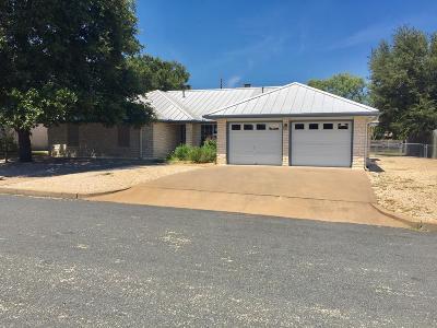 Fredericksburg Single Family Home For Sale: 606 Tanya St.