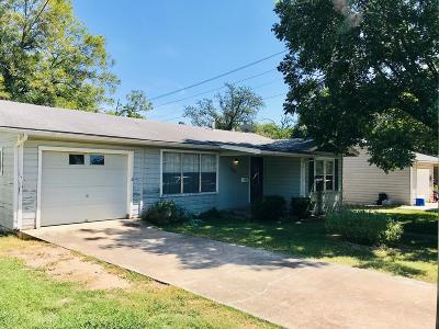 Kerrville Single Family Home For Sale: 605 Lewis Ave