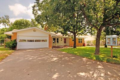 Kerrville Single Family Home For Sale: 1122 Hancock Dr