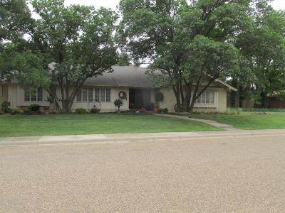 Levelland Single Family Home For Sale: 202 Willowwood Lane