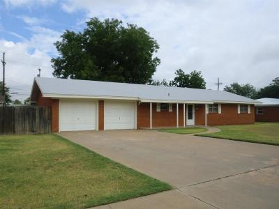 Single Family Home Sold: 4610 37th