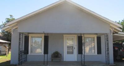 Slaton Single Family Home For Sale: 245 West Panhandle Street