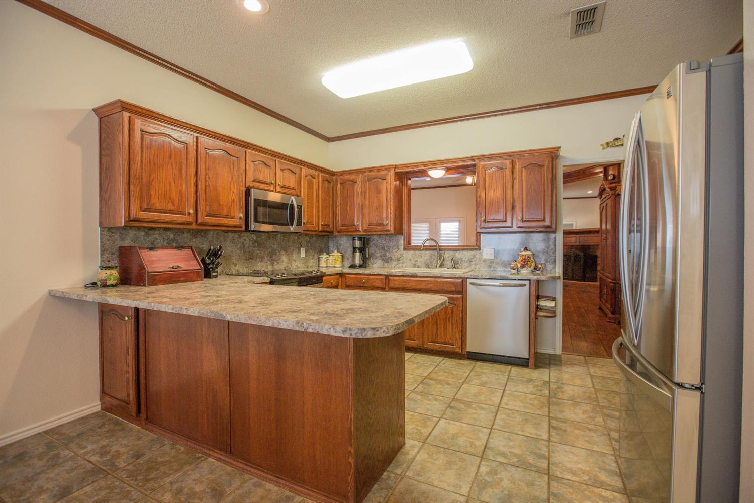 Listing: 10106 Dover Avenue, Lubbock, TX.| MLS# 201701616 | Real ...