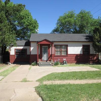 Lubbock County Single Family Home For Sale: 2702 2nd Place