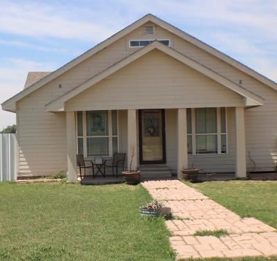 Olton TX Single Family Home For Sale: $135,000