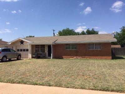 Levelland Single Family Home Under Contract: 205 Pat Street