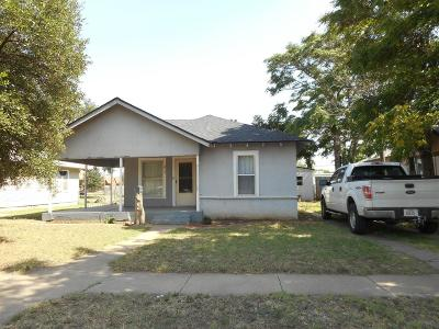 Slaton  Single Family Home For Sale: 415 West Garza Street