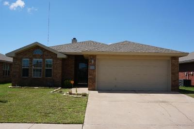 Lubbock Single Family Home Under Contract: 1913 78th Street