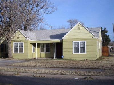Single Family Home For Sale: 2102 32nd Street