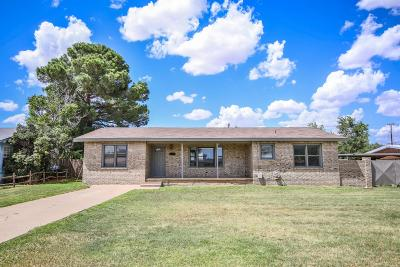 Levelland Single Family Home Under Contract: 409 Hicks Place