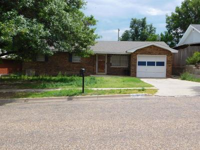 Bailey County, Lamb County Single Family Home Under Contract: 1911 West Ave D