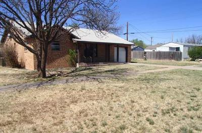 Levelland Single Family Home Under Contract: 1306 Ave A