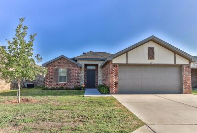 Lubbock Single Family Home For Sale: 1208 79th Place