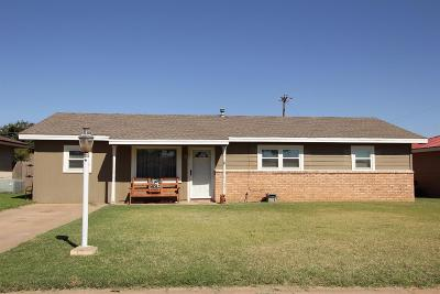 Levelland Single Family Home For Sale: 103 Pat Street