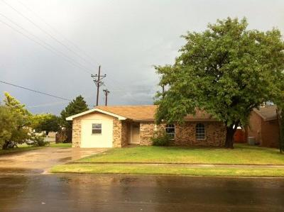 Lubbock TX Single Family Home For Sale: $74,000