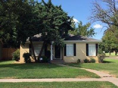 Lubbock Single Family Home Under Contract: 3202 26th Street