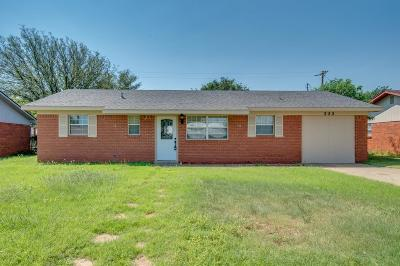 Levelland Single Family Home Under Contract: 222 Pat