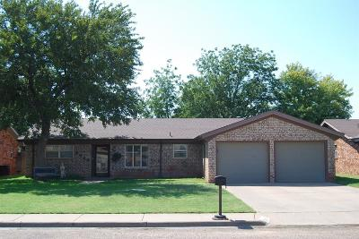 Levelland Single Family Home For Sale: 2026 Longhorn Drive
