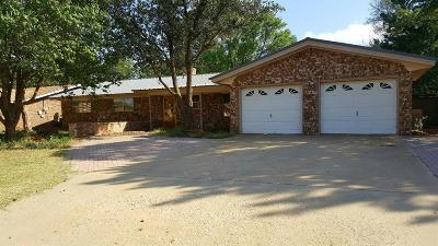Levelland TX Single Family Home For Sale: $149,000