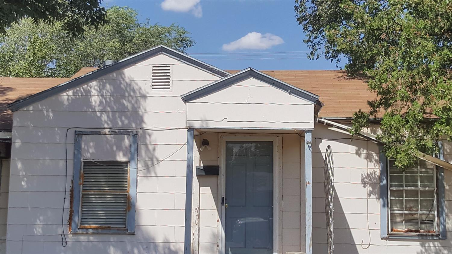 Property Photo & Listing: 2704 2nd Place Lubbock TX.| MLS# 201707263 | Real Estate ...